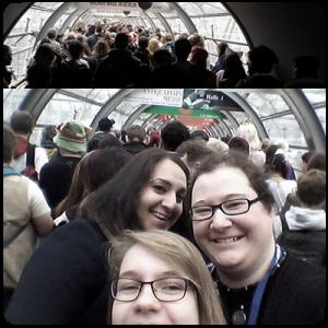 Wir stehen im Stau. Egal, hauptsache Selfie!