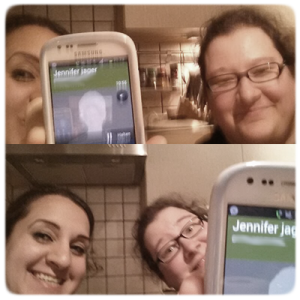 Selfie mit Jennifer Jäger am Telefon