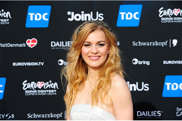 ESC Opening Ceremony red carpet Emmelie de forest