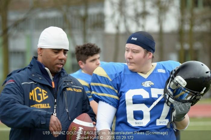 Football Scrimmage: Rücksprache mit dem Coach