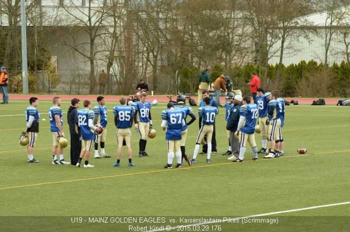 Football Scrimmage: Vor dem Spiel