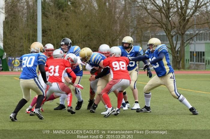 Football Scrimmage: O-Line gegen D-Line