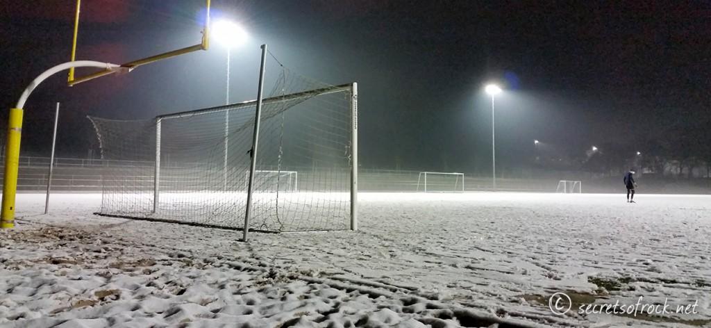 Football-Training im Schnee